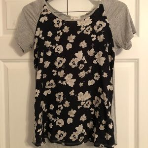 Maurices floral top.  (S)